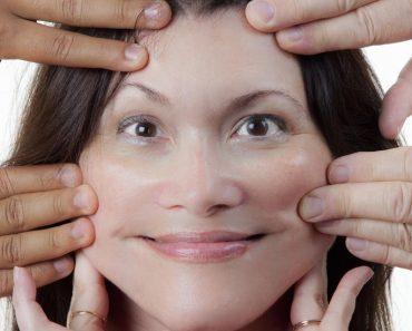 ۵ ورزش صورت برای شادابی پوست