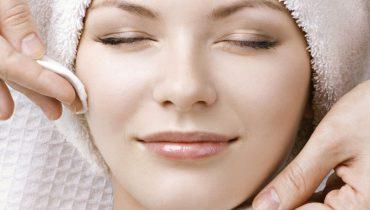 پاکسازی پوست صورت با ۹ روشی که چهره شما را متفاوت میسازد