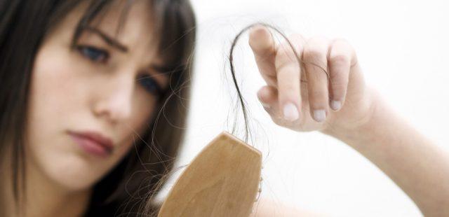 ترفندهایی برای مقابله با ریزش مو در دوران شیردهی